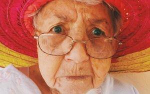 עיסוי על ארובות העיניים משפר את הראיה